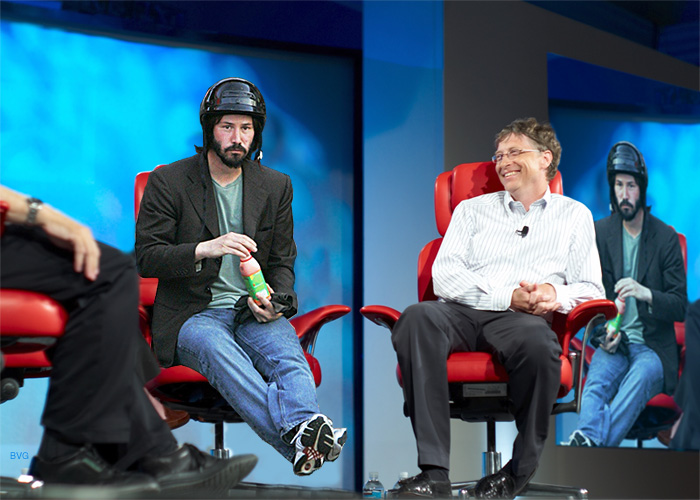 Sad Keanu Reeves triste con casco Bill Gates